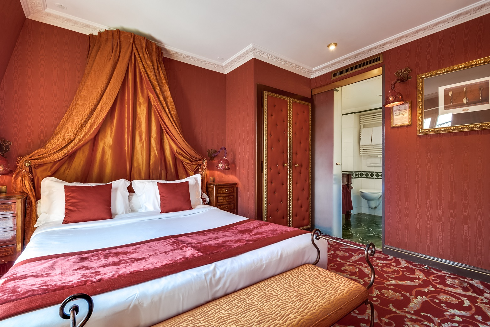 49/Chambres/Single/Chambre - Romantique - Honeymoon - Paris - Montmartre.jpg