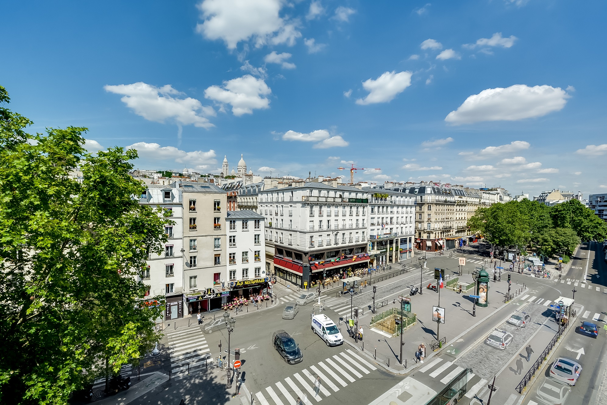 49/Chambres/Vue Place Pigalle 1.jpg